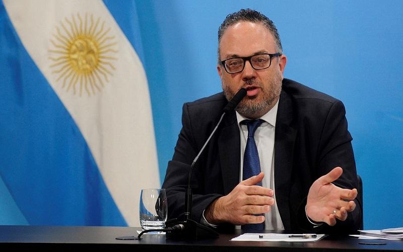 """Kulfas admitió que """"se está evaluando"""" modificar la prohibición de despidos"""